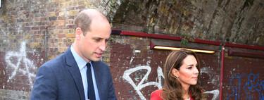 Cinco abrigos rojos con los que copiar el estilo de Kate Middleton y darle un toque de color al otoño 2020