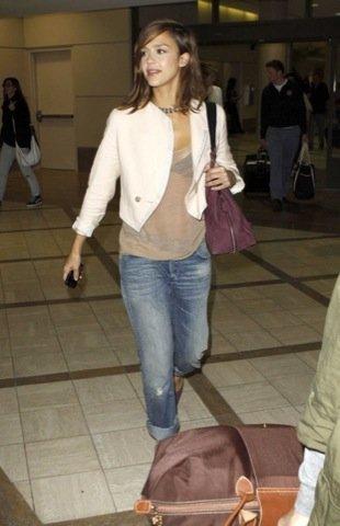 Cazadora famosa, Jessica Alba
