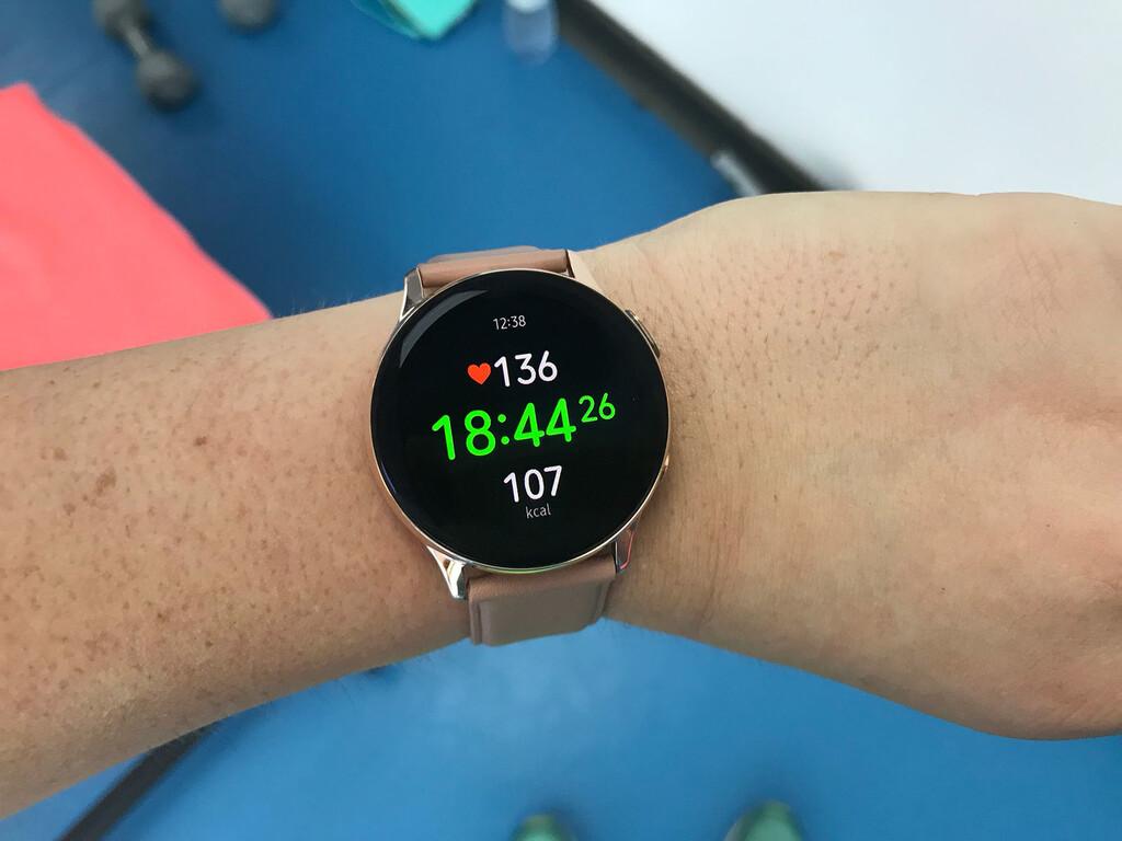 Los Samsung™ Galaxy™ Watch Active dos comienzan a actualizarse con mejorías en deporte y localización
