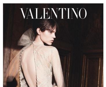 Freja Beha Erichsen sigue encarnando a Valentina