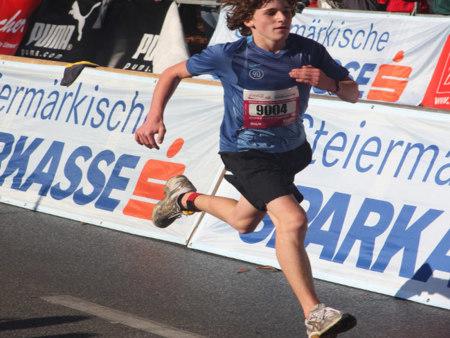 Al correr, evita movimientos exagerados