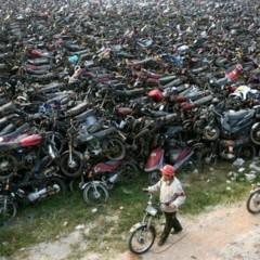 Foto 2 de 3 de la galería cementerio-de-motos en Motorpasion Moto