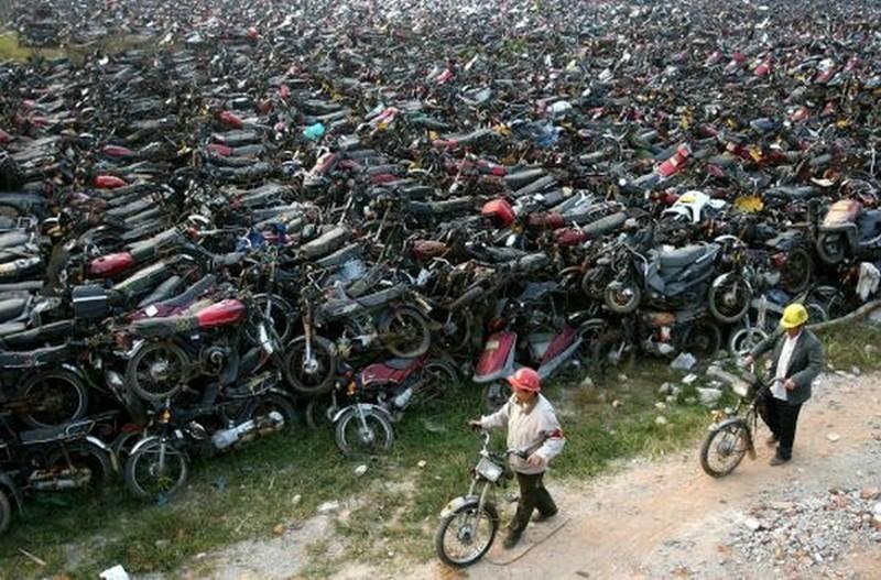 Foto de Cementerio de motos (2/3)