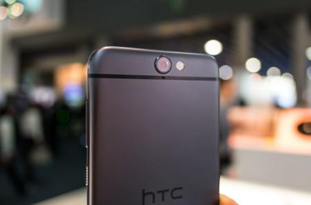 Los ingresos de HTC siguen en caída libre, con un descenso superior al 50%