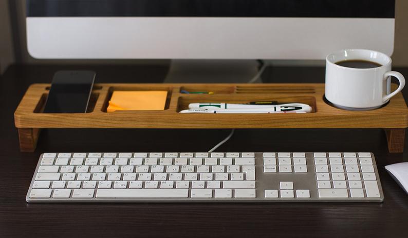 Organizador de escritorio de madera de cerezo