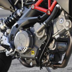 Foto 26 de 30 de la galería aprilia-dorsoduro-factory-2010 en Motorpasion Moto