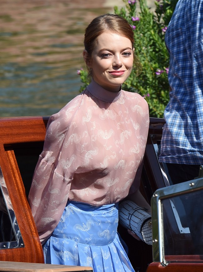 Pura dulzura: así es el nuevo look de Emma Stone en el Festival de Venecia