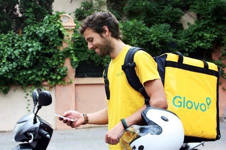 Glovo abre su plataforma a establecimientos con repartidores propios emulando el modelo Just Eat