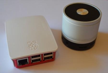 Puedes disfrutar de la música en un altavoz o auriculares Bluetooth y tu Raspberry Pi 3