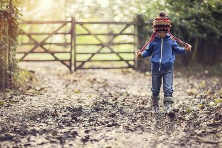 Hace frío, ¡salgamos! Por qué es importante para los niños disfrutar en la naturaleza