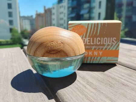 Be Delicius de DKNY: la versión limitada del perfume con aroma a coco que huele a verano como pocas