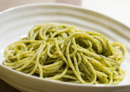 Espagueti en salsa verde. Receta fusión en la cocina mexicana