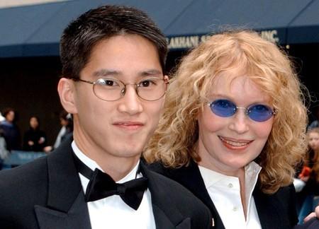 Moses y Mia Farrow
