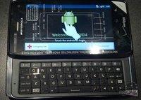 Primeras imágenes del DROID4 de Motorola