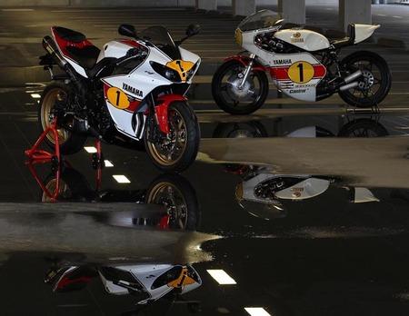 Motorpasión a dos ruedas: Yamaha R1 Réplica Agostini y el old school en estado puro