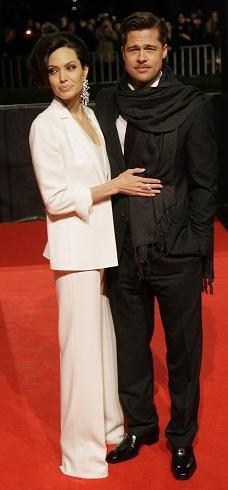Angelina Jolie o cómo estar perfecta con un traje blanco