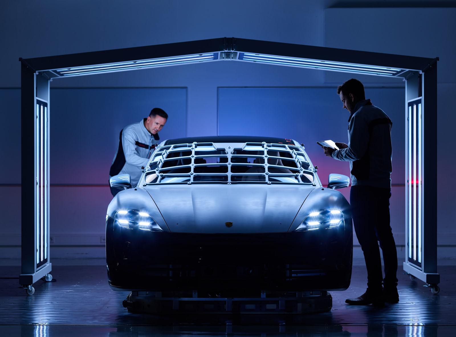 Foto de Fábrica Porsche Taycan (inauguración) (38/44)