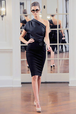 Foto de Victoria Beckham, Otoño-Invierno 2010/2011 en la Semana de la Moda de Nueva York (14/14)