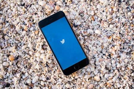 """Lo que Twitter da, Twitter nos quita: menos """"@"""" en el timeline y más diferencias con los clientes de terceros"""