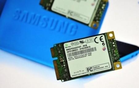 SATA SSD mini-card de Samsung con hasta 200 MB/s en lectura
