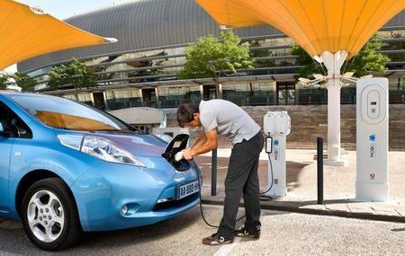 400 nuevos estaciones rápidas de recarga en Europa gracias a Nissan
