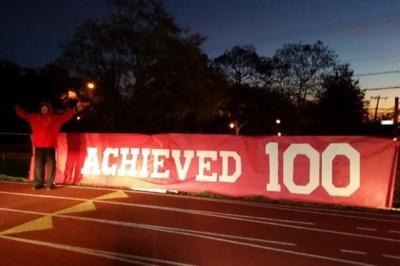 Profesor corre 161 kilómetros en 24 horas para motivar a sus alumnos