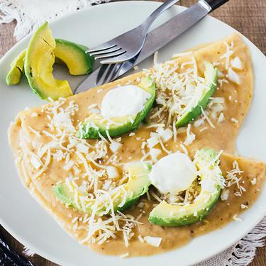 Enfrijoladas con chile pasilla. Receta sencilla y deliciosa