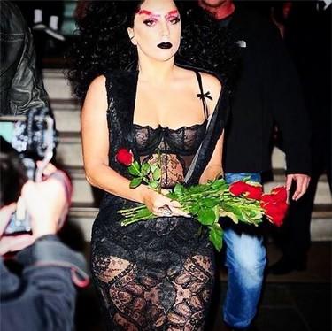 La nueva 'tendencia' by Lady Gaga: liándola parda con las cejas