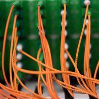Orange prueba por primera vez un enlace de 400 Gbps en su red de fibra