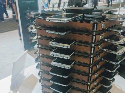 Samsung ha creado una máquina para minar bitcoins con 40 Galaxy S5 (y es más eficiente que un PC)