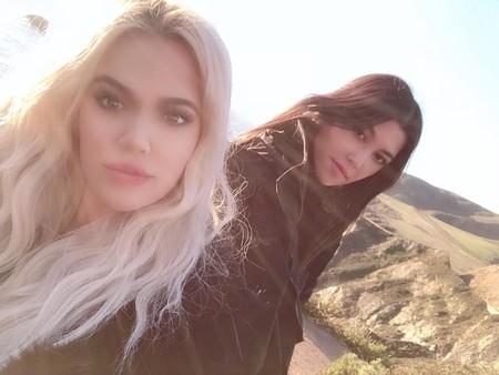 Kourtney y Khloé Kardashian nos dejan dos versiones, totalmente diferentes, de una misma manicura