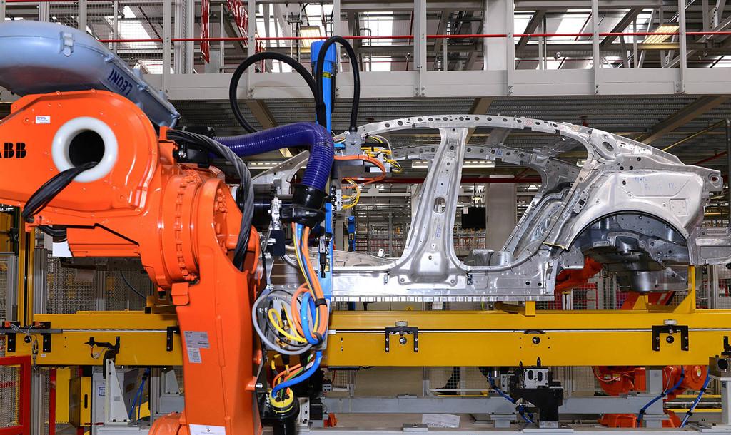 Un halo de esperanza: Grupo PSA vuelve a fabricar coches en Wuhan, epicentro del coronavirus, tras dos meses de inactividad