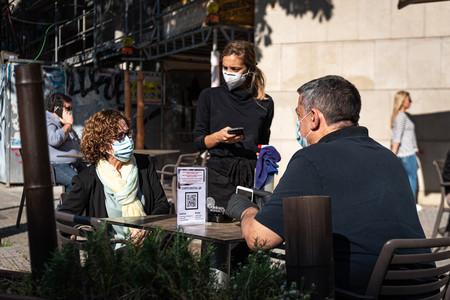 Las 1.001 excepciones a la mascarilla obligatoria: asma, ansiedad, obesidad y olas de calor