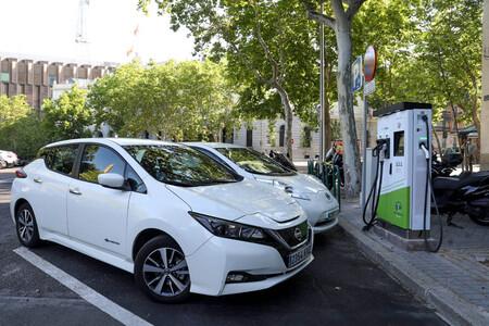 Comprar o no un coche eléctrico: estas son las preguntas que debes hacerte antes de dar el salto al cero emisiones