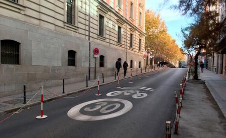 Un 57 % de los españoles está en contra de que la DGT reduzca la velocidad en ciudad