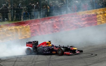 ¡Bajando Eau Rouge! Así se retorcía en este vídeo el Red Bull de Fórmula 1 haciendo Spa en sentido contrario
