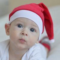 Cinco ideas para celebrar y recordar la primera Navidad del bebé