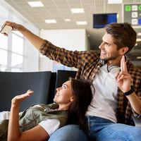 Usa un smartphone para sobrevivir al aeropuerto esta Navidad. Aquí te decimos cómo...