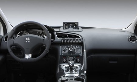 Peugeot-3008-HYbrid4-int-1