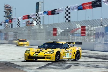 Compuware-Corvette-C6R-ALMS.jpg
