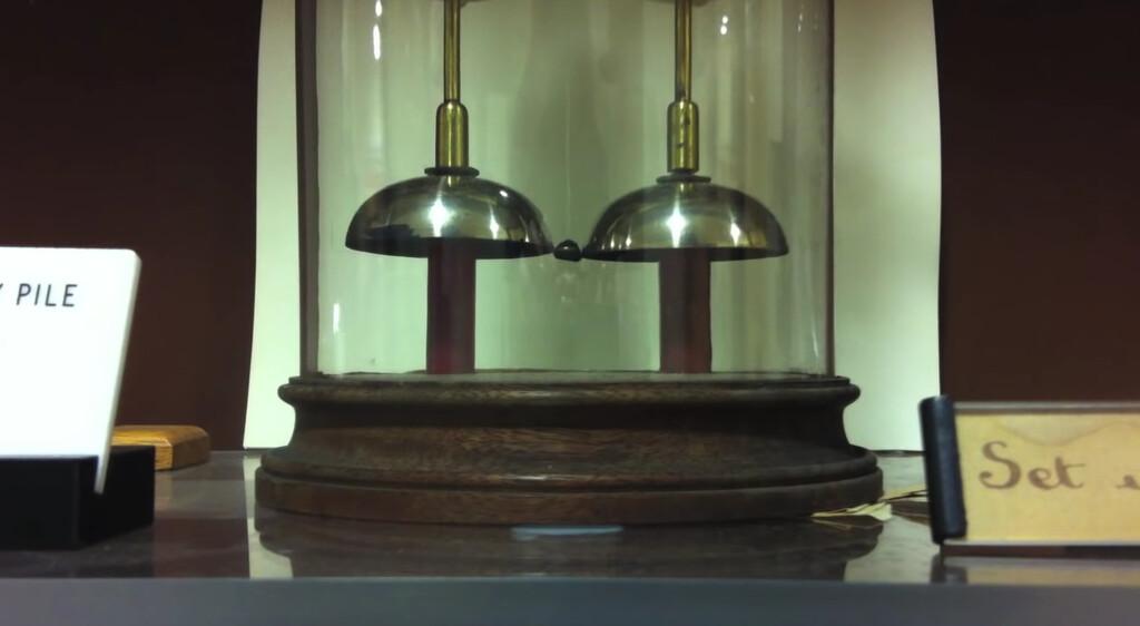 Hay una campana eléctrica en Oxford que lleva sonando 181 años gracias a una batería que nadie sabe de qué está hecha