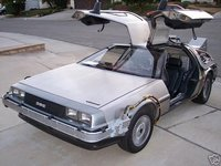 Un DeLorean con condensador de fluzo en eBay