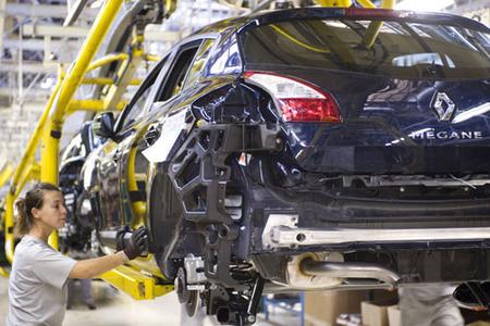 Las ventas de coches suben un 63% en marzo mientras el Plan 2000E va llegando a su fin