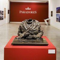 """Paradores nos lleva de viaje al pasado con su exposición """"90 años muy singulares"""""""