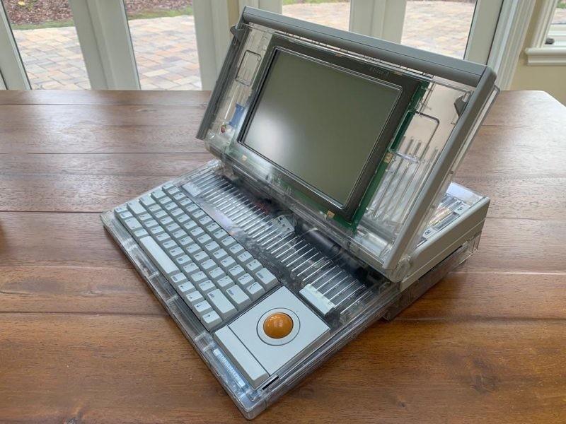 Este Macintosh℗ Portable M5120 nunca llegó a lanzarse al mercado: quedan 6 en el mundo(planeta) que se conozcan