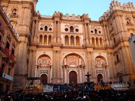 Descubriendo Málaga: Catedral, Calle Larios y plaza de toros
