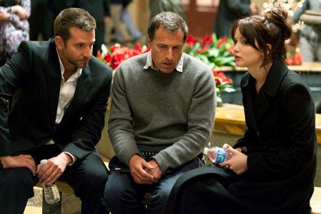 Bradley Cooper, David O. Russell y Jennifer Lawrence en el rodaje de El Lado Bueno de las Cosas