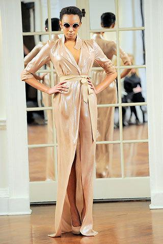 Foto de Victoria Beckham, Otoño-Invierno 2010/2011 en la Semana de la Moda de Nueva York (3/14)