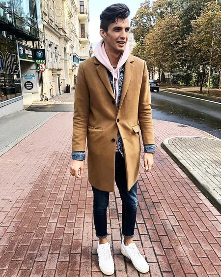 El Mejor Street Style De La Semana Las Calles Comienzan A Vestirse De Camel Para El Otono 03