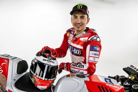 Casey Stoner, Jorge Lorenzo y el escape misterioso. La ofensiva de Ducati en MotoGP es imparable